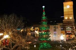 Salt Lake City Gateway Mall Christmas Lights by Brite Nites